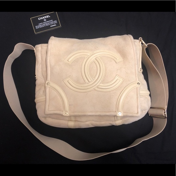 6bb4b976eacdd2 CHANEL Handbags - Chanel beige shearling crossbody bag
